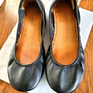 Tieks size 7 in black